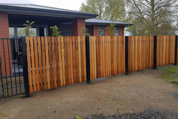Cedar-with-Powdercoated-Steel-Posts