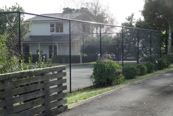 Powdercoated-Tennis-Court-Fence-2