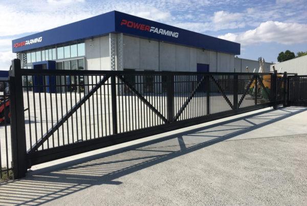 12m cantilever gate
