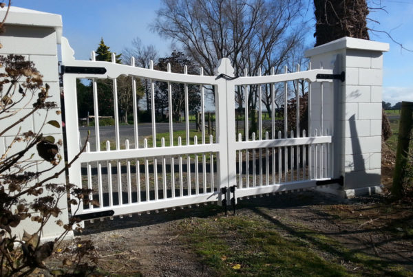 Heritage-Timber-Double-Swing-Gates